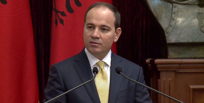 Nishani, ministres: Keqbërësit të kenë frikë, populli nuk ndalet më!
