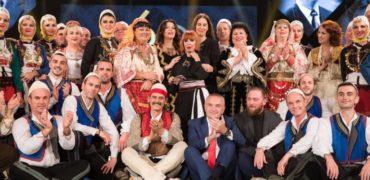 Presidenti Ilir Meta vlerëson Besim Zekthin me dekoratën 'Nderi i Kombit'