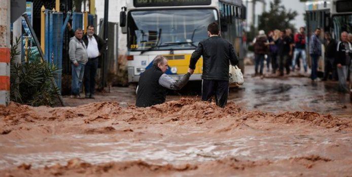 Përmbytjet/ Dhjetra persona kanë humbur jetën të mërkurën në Greqi