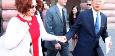 Ikën dhe Vlahutin/ Ja kush është ambasadori i ri i BE në Shqipëri.