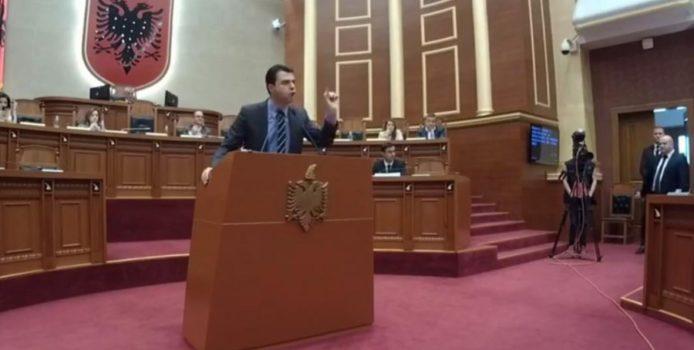 """Basha – Braçes në Kuvend: Pusho, zar i bandave të Lushnjës"""". VIDEO"""