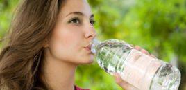 Tmerr/ Uji në shishe plastike në Shqipëri, ka infeksione fekale