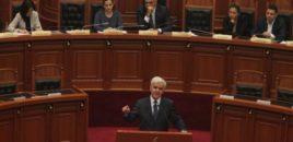 Xhafaj braktis sallën e parlamentit sapo përfundoi fjalën e tij.