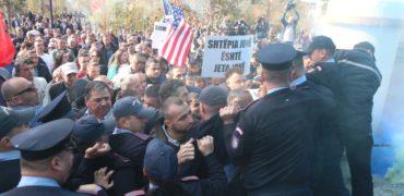 Arrestohet një protestues, banor i Unazës së Re