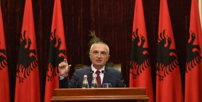 """Presidenti Ilir Meta për gazetën greke """"Kathimerini""""/ Ju tregoj """"nënën"""" e të gjitha konflikteve në vend."""