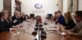 Taulant Balla takon delegacionin e Komisionit të Venecias/ Procedura e fajësimit të Presidentit po ecën përpara