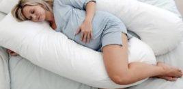 Tre pozicione të sigurta gjumi për gratë shtatzëna
