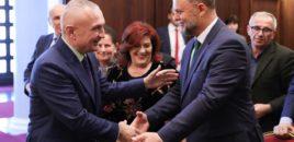 """Presidenti i Republikës, Ilir Meta vlerësoi aktorin e shquar, Petrit Malaj me Titullin """"Mjeshtër i Madh"""""""