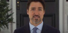 Kryeministrin kanadez e zënë ethet në konferencë shtypi (VIDEO)