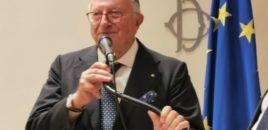 Virologu i njohur italian: Koronavirusi po shuhet